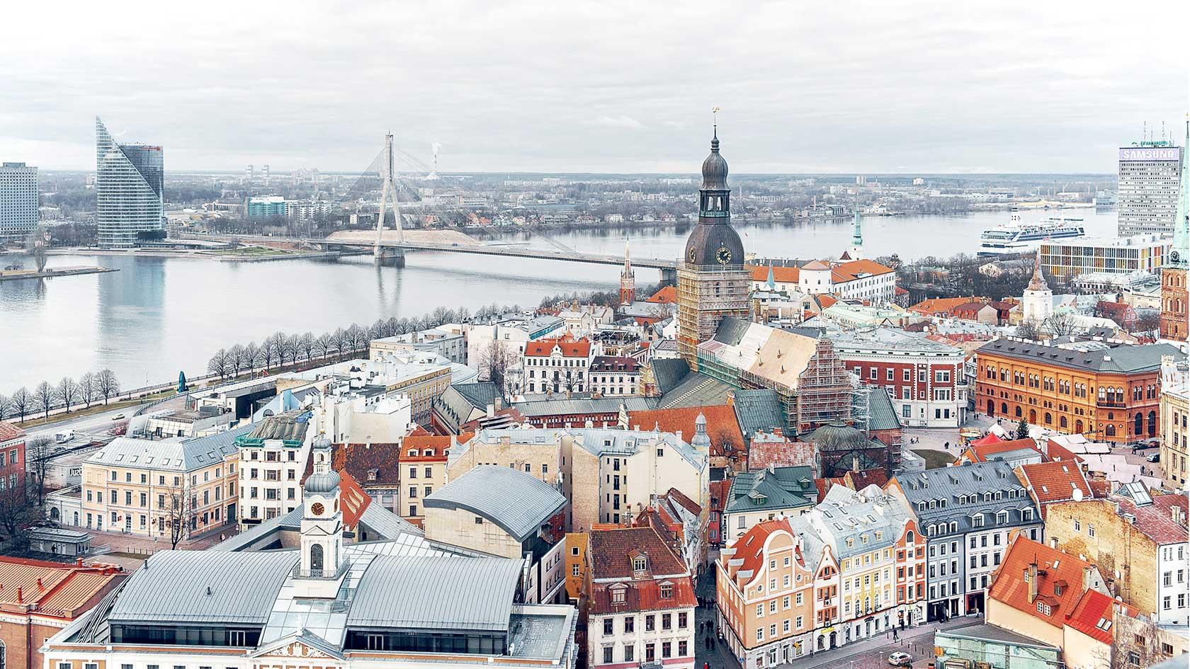 pigūs skrydžiai į Latviją