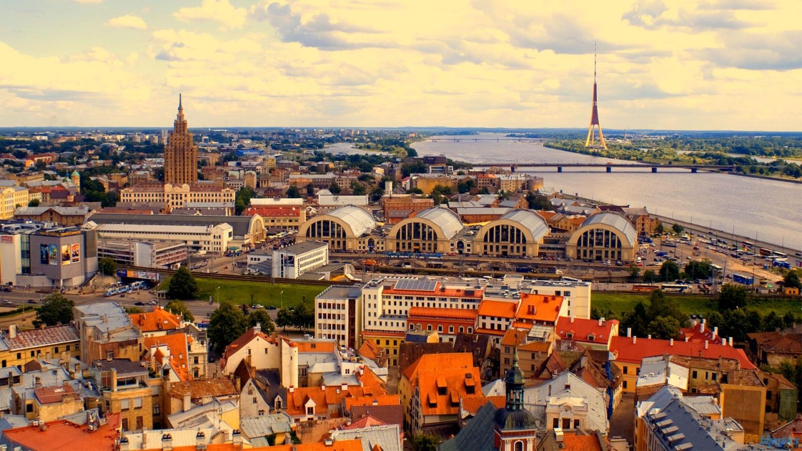 skrydis į Latviją